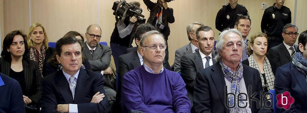 Los acusados por el Caso Nóos en la primera sesión del juicio en Palma de Mallorca