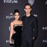 Vanessa Hudgens y Austin Butler en la fiesta de InStyle tras la entrega de los Globos de Oro 2016