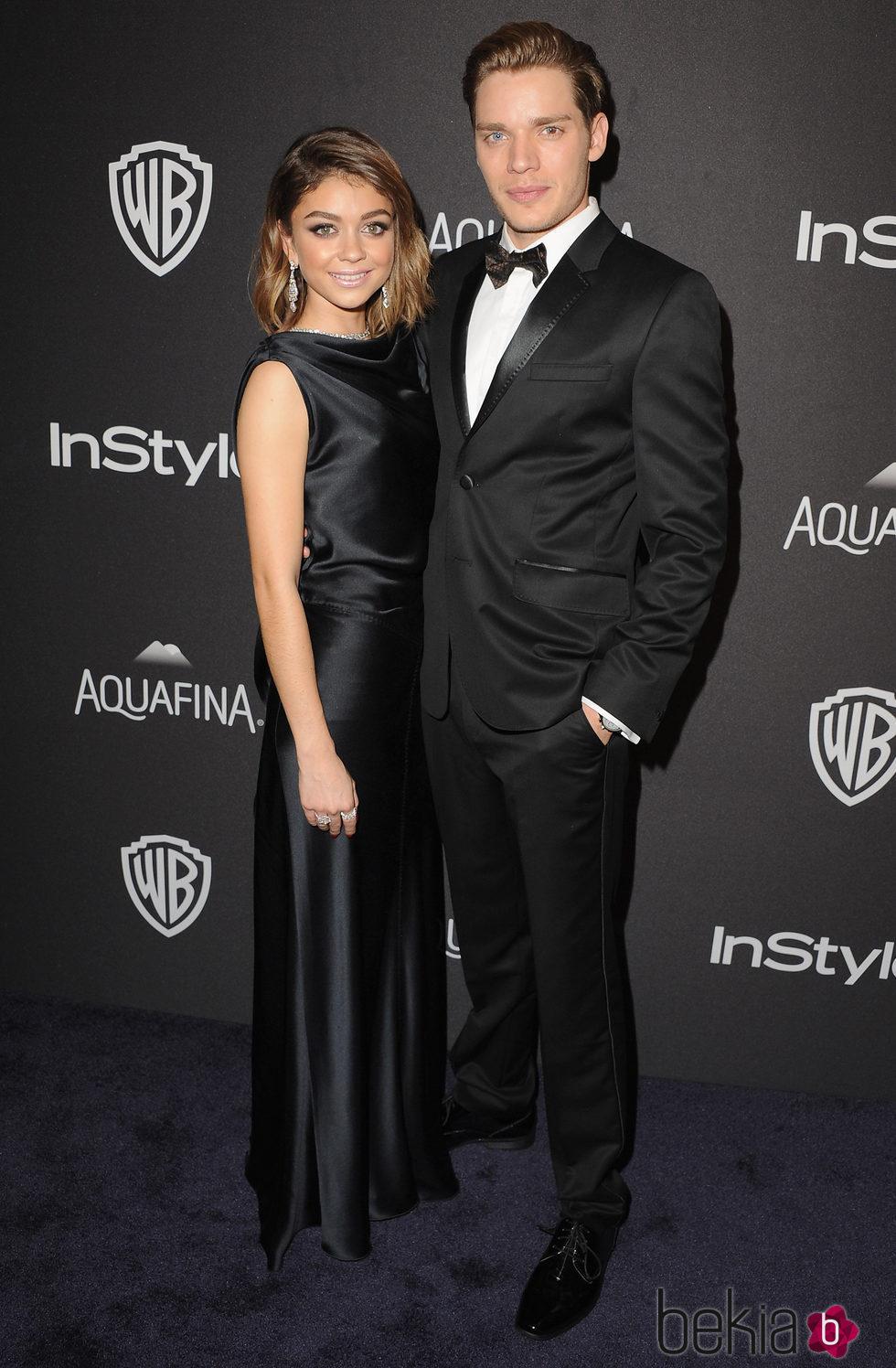 Sarah Hyland y Dominic Sherwood en la fiesta de InStyle tras la entrega de los Globos de Oro 2016