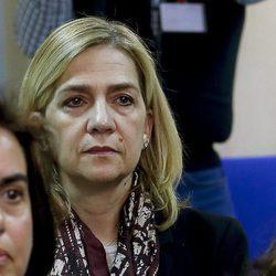 La Infanta Cristina, muy seria en la primera sesión del juicio por el Caso Nóos