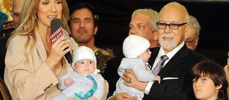 Céline Dion con su marido René Angélil y sus tres hijos