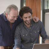 Bertín Osborne y Paco León, muy sonrientes en 'En la tuya o en la mía'