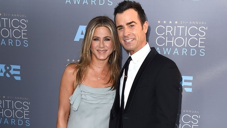 Jennifer Aniston y Justin Theroux en en los Critics' Choice Awards 2016