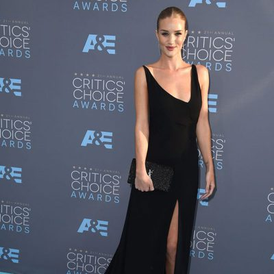 Rosie Huntington-Whiteley en los Critics' Choice Awards 2016