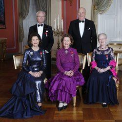 El Rey Harald de Noruega con la Reina Sonia, los Reyes de Suecia y la Reina de Dinamarca en el 25 aniversario de su reinado