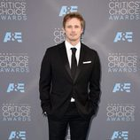 Bradley James en los Critics' Choice Awards 2016