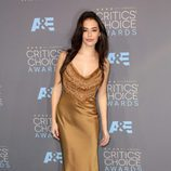 Chloe Bridges en los Critics' Choice Awards 2016