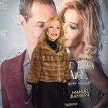 Carmen Lomana en el estreno de la obra 'El amor está en el aire'