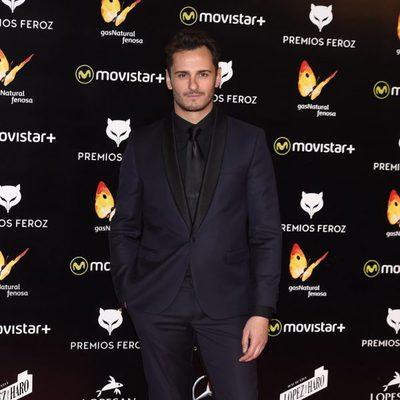 Asier Etxeandía en la alfombra roja de los Premios Feroz 2016