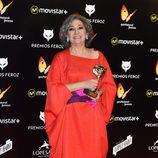 Luisa Gavasa posa con su Premio Feroz 2016