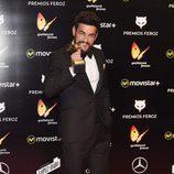 Mario Casas con su Premio Feroz 2016
