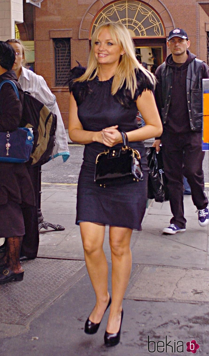 Emma Bunton pasea por Londres