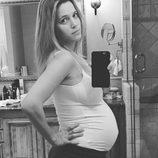 Luisana Lopilato y su selfie en la última recta de su segundo embarazo