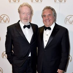 Ridley Scott y Jim Gonopulos en los Producers Guild Awards 2016