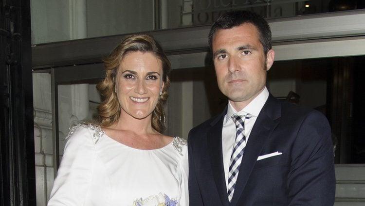 Carlota Corredera y Carlos de la Maza en su boda