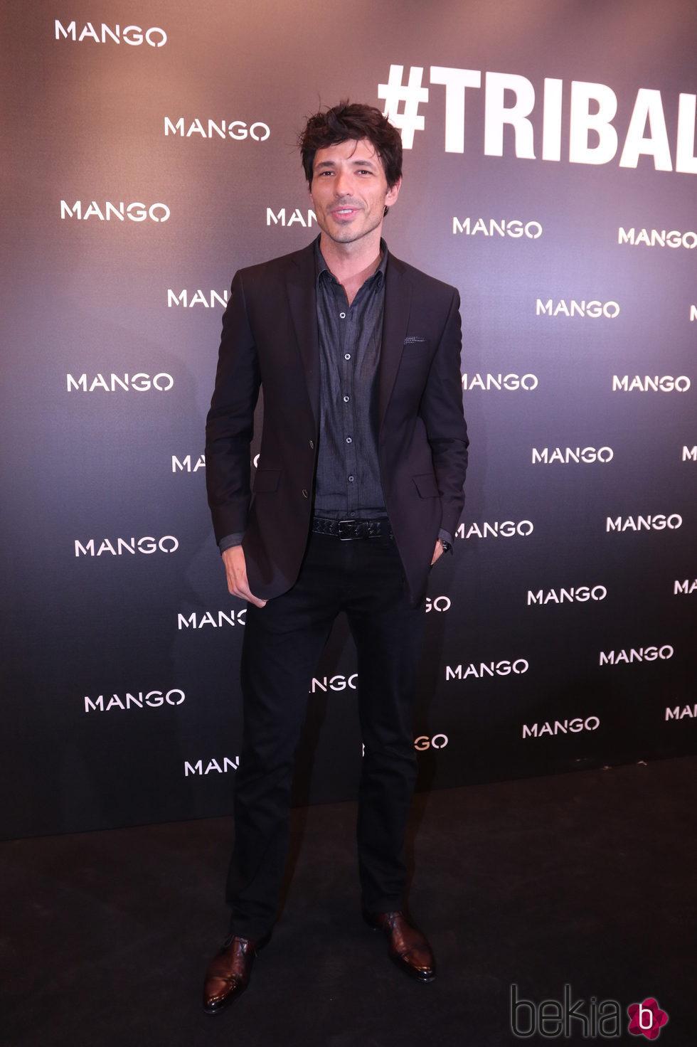 Andrés Velencoso en la presentación de la colección 'Tribal Spirit' de Mango en Barcelona