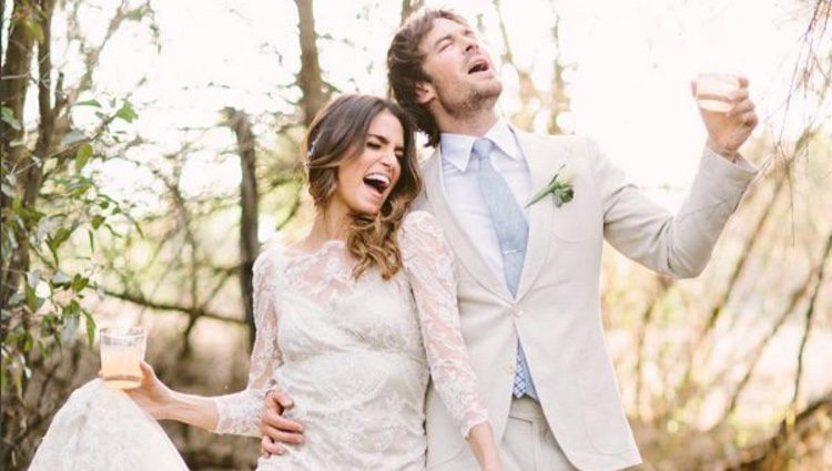 Nikki Reed e Ian Somerhalder muy divertidos el día de su boda