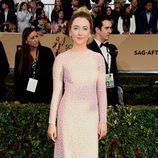 Saoirse Ronan en la alfombra roja de los SAG 2016