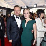 Leonardo DiCaprio y Kate Winslet en la alfombra roja de los SAG 2016