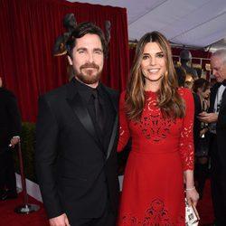 Christian Bale y Sibi Blazic en la alfombra roja de los SAG 2016