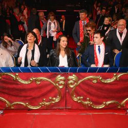 Estefanía de Mónaco con sus hijos Camille Gottlieb, Pauline y Louis Ducruet y Marie, la acompañante de Louis, en unos premios de circo