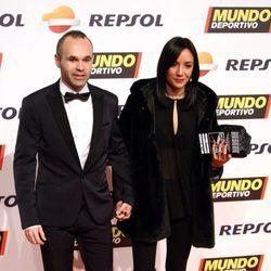 Andrés Iniesta y Anna Ortiz en la gala de Mundo Deportivo 2016