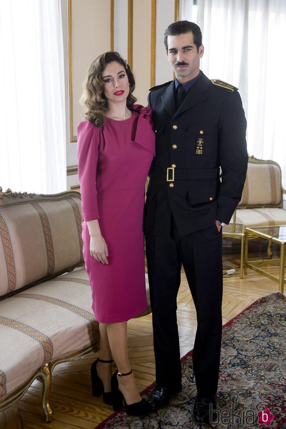 Blanca Suárez y Rubén Cortada en la presentación de 'Lo que escondían sus ojos'