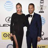 Chrissy Teigen y John Legend en los Premios NAACP 2016