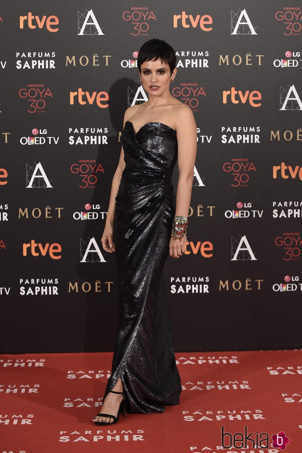 Verónica Echegui en la alfombra roja de los Premios Goya 2016