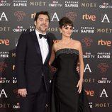 Javier Bardem y Penélope Cruz en la alfombra roja de los Premios Goya 2016