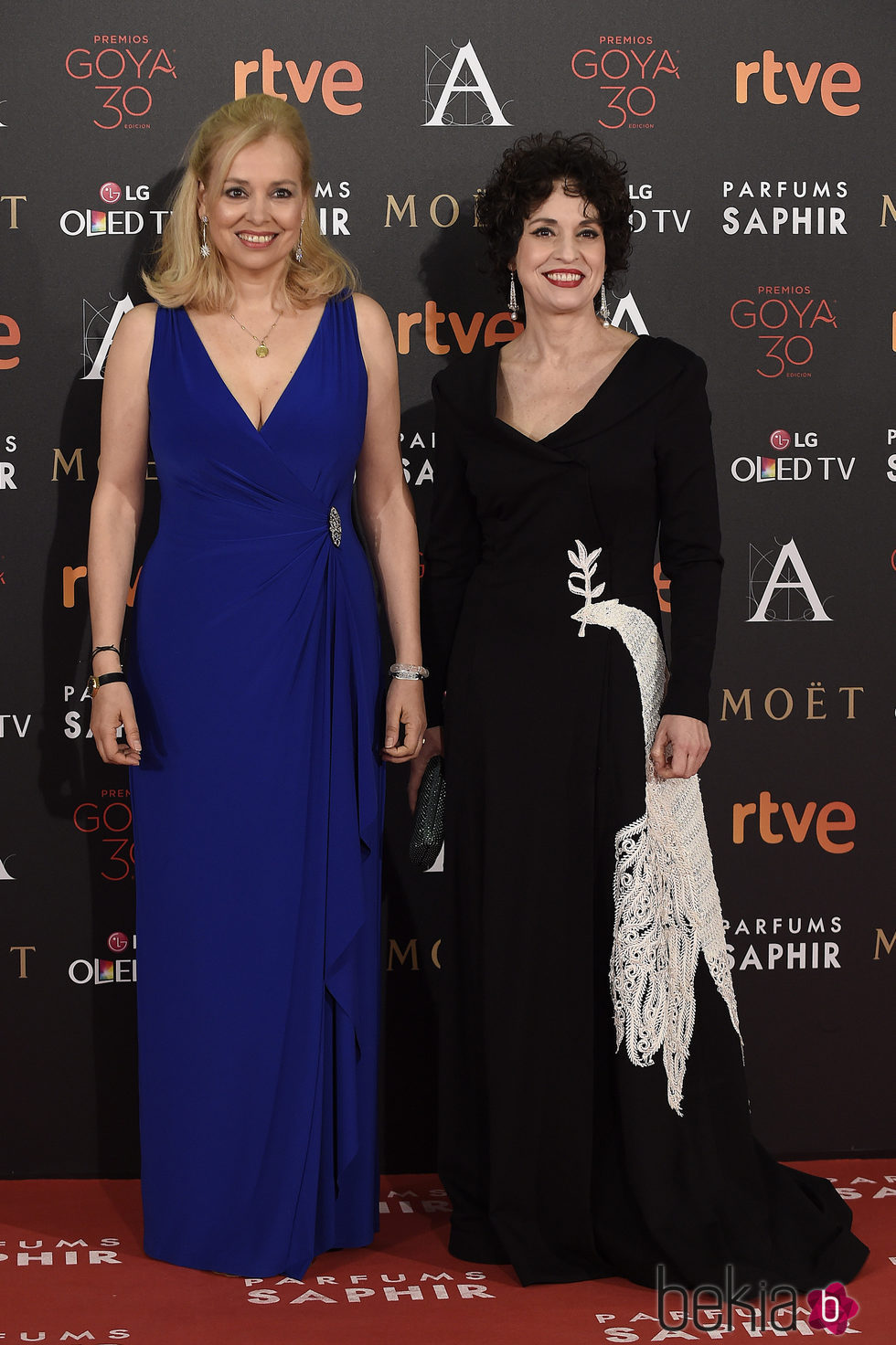 Emma y Adriana Ozores en la alfombra roja de los Premios Goya 2016
