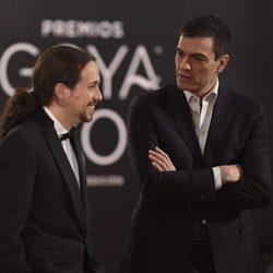 Pablo Iglesias y Pedro Sánchez en la alfombra roja de los Premios Goya 2016