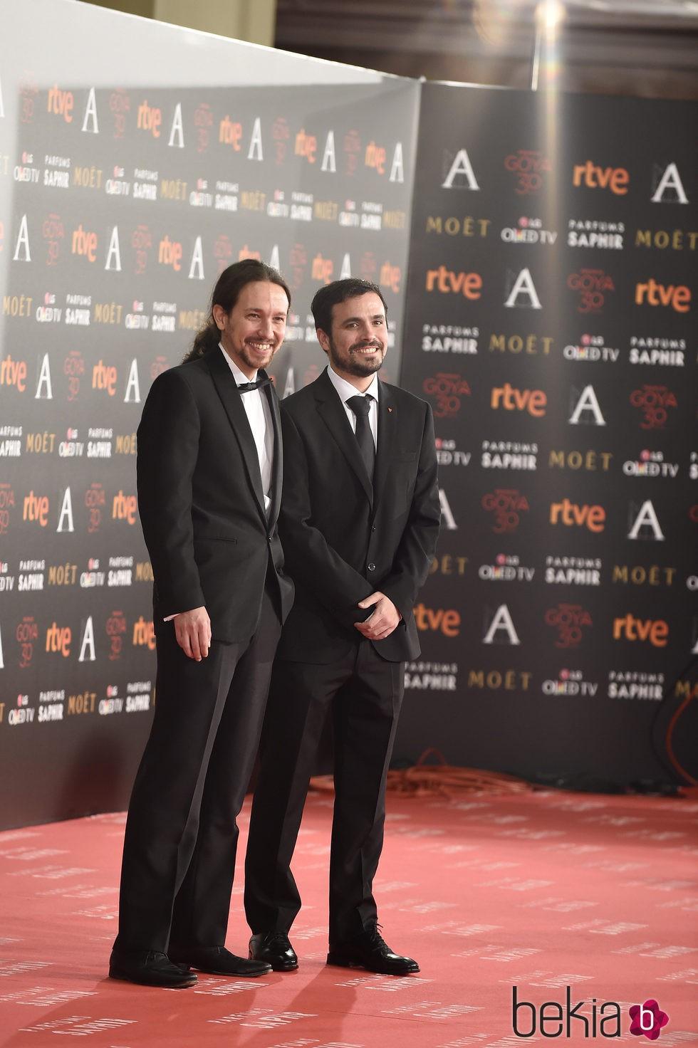 Pablo Iglesias y Alberto Garzón en la alfombra roja de los Premios Goya 2016