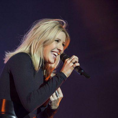 Ellie Goulding durante su concierto en Barcelona