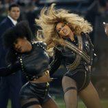 Beyoncé durante su actuación en la Super Bowl 2016