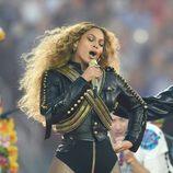 Beyoncé durante su actuación en el descanso de la Super Bowl 2016