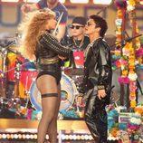 Beyoncé y Bruno Mars durante su actuación en la Super Bowl 2016