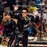 Bruno Mars durante su actuación en la Super Bowl 2016
