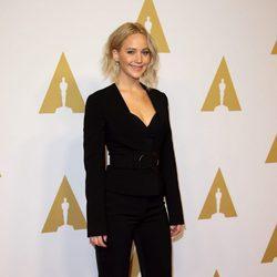 Jennifer Lawrence en el almuerzo de los nominados a los Premios Oscar 2016