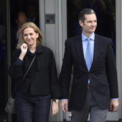 La Infanta Cristina e Iñaki Urdangarín a la salida de la segunda sesión del juicio por el Caso Nóos