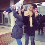 Tamara Gorro y Ezequiel Garay celebran que su hija Shaila ya es española