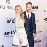 Blake Lively y Ryan Reynolds en la Gala amfAR 2016 de Nueva York