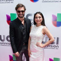 Iván Sánchez y Ana Brenda Contreras en el photocall de Univisión