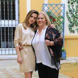 María León y Carmina Barrios en la presentación de la segunda temporada de la serie 'Allí abajo' en Sevilla