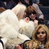 Kim Kardashian y Anna Wintour en el desfile de Kanye West 'Yeezy Season 3'