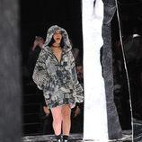 Rihanna desfilando para su colección 'Fenty Puma'