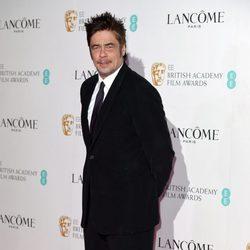 Benicio del Toro en la fiesta pre-Bafta 2016 de Lancôme