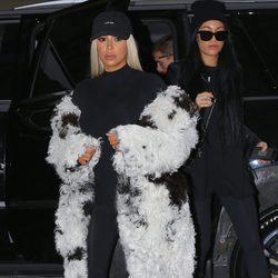 Kim Kardashian, rubia y muy abrigada en Nueva York