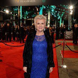 Julie Walters en la alfombra roja de los BAFTA 2016
