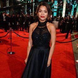 Antonia Thomas en la alfombra roja de los BAFTA 2016